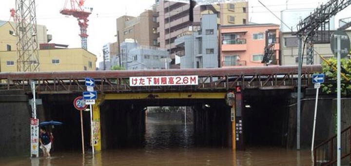 水没した梅田貨物線中津のガード