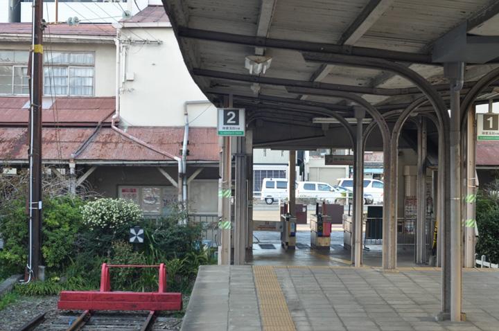 南海汐見橋駅ホーム